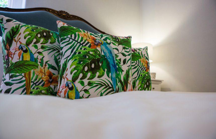 room four cushions