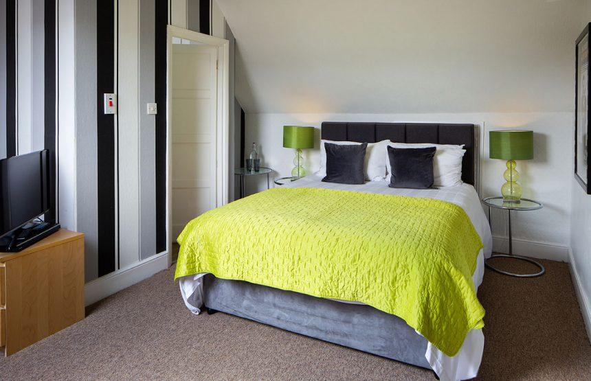 room seven bed